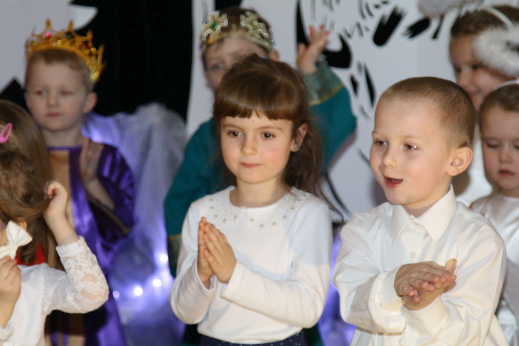 Oglądasz obraz z artykułu: Wnuczęta są dla nich radością życia.