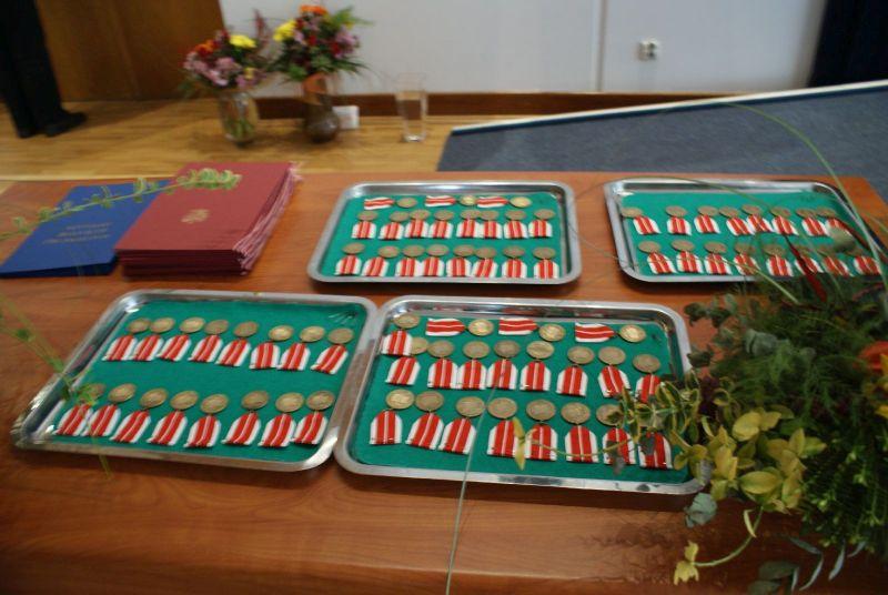 Ogl�dasz obraz z artyku�u: Odznaczenia i nagrody dla nauczycieli.