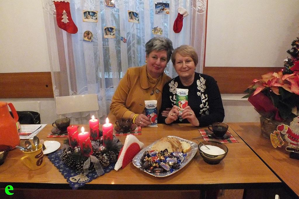 Oglądasz obraz z artykułu: Święty Mikołaj u Seniorów ZNP.