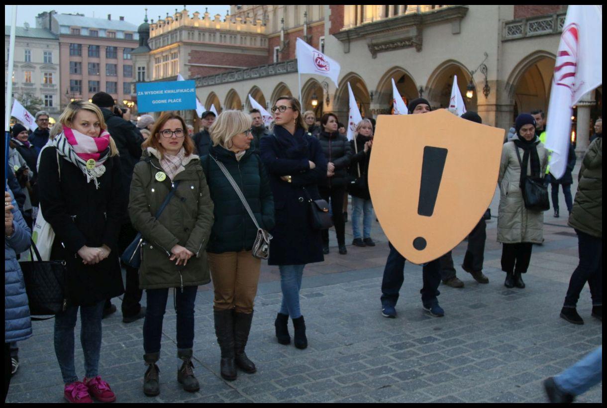 Oglądasz obraz z artykułu: Pikieta, Kraków 8 kwietnia pamiętamy