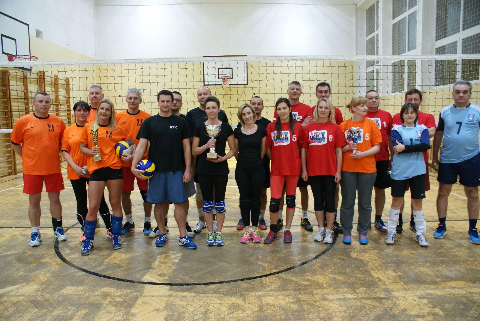 Oglądasz obraz z artykułu: Puchar Starosty   dla Zespołu Szkół Ogólnokształcących Nr 4 w Tarnowie
